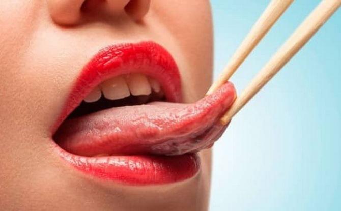 Pourquoi le bout de la langue fait mal comme brûlé et comment le traiter