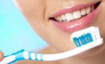 Les meilleurs dentifrices blanchissants: critères de sélection et notation