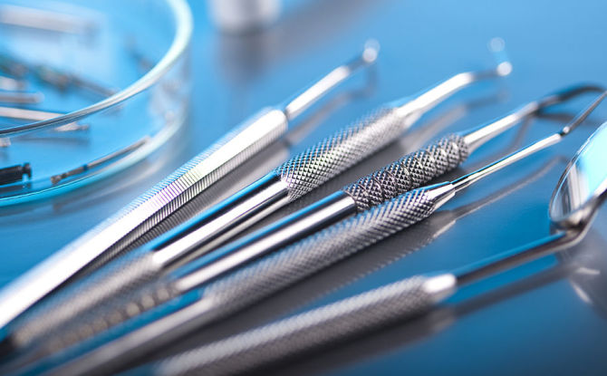 Variétés et but des instruments dentaires